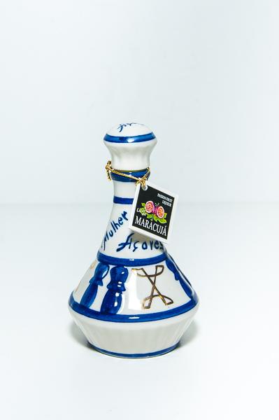 Miniatura Licoreira Maracujá Mulher do Capote